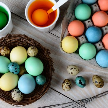 """Tie-dye and """"Porching""""—and Seven More Ways to Spend Easter"""