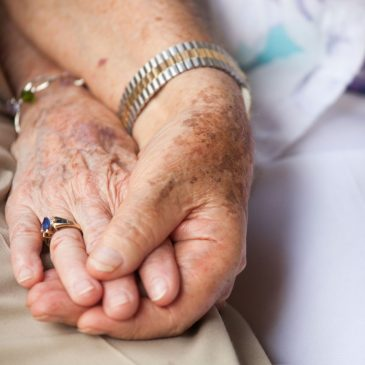 Understanding the Differences Between Hospice and Palliative Care
