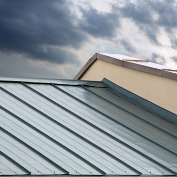 4 Simple Ways to Know If You Qualify for a Hurricane-Resistant Roof