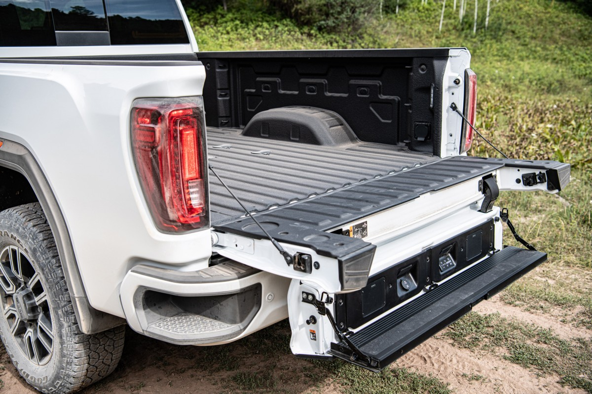 The 2020 GMC Sierra 2500HD Opens the Tailgate With the ...